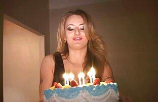 Lesbi asslicking video x gratuite en streaming
