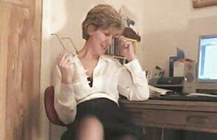 Cleo filme porno vf Leroux, femme au foyer salope, avale une bite bien raide