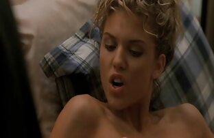 Cassidy Klein écarte son arraché et se doigte film en streaming porno gratuit