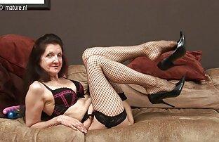 MILF aux gros seins baise pour film porno gratuit homme de l'argent