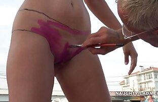 Gros seins manta xxx film pornographique frottant un oreiller