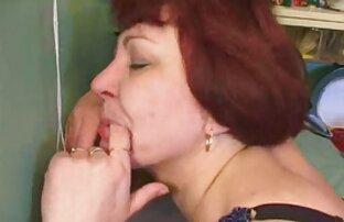 Ébène aux cheveux courts vidéo x français gratuit se fait bien baiser