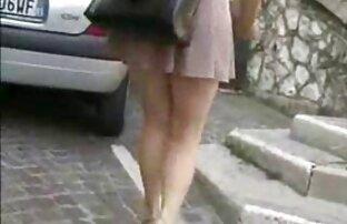 Salope en tenue du petit chaperon rouge film porno marc dorcel streaming gratuit taquiné