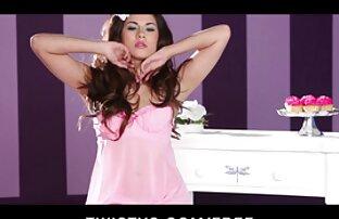Salope asiatique se fait baiser dans un trio de train film porno en streaming gratuit chaud